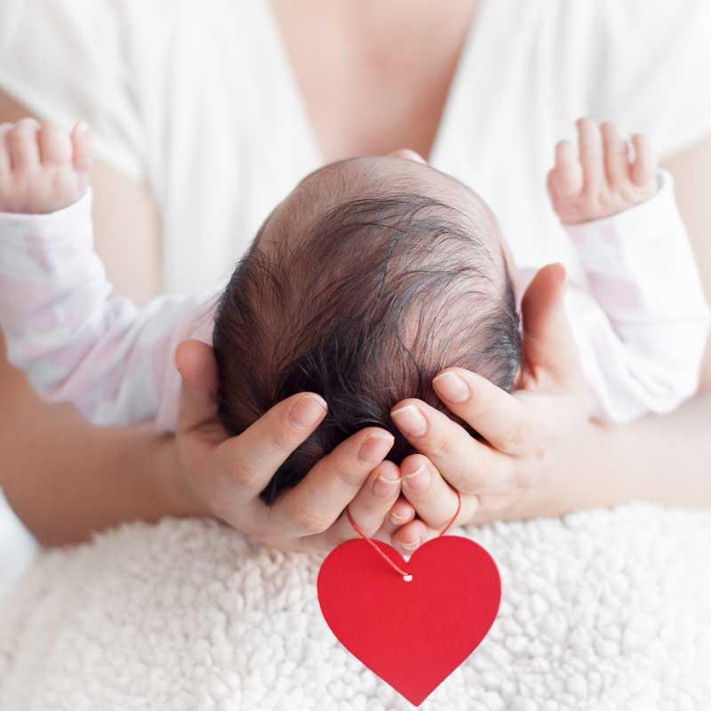nošenje bebe u krilu