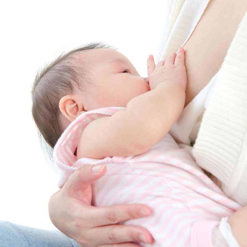 kolevka položaj za dojenje bebe