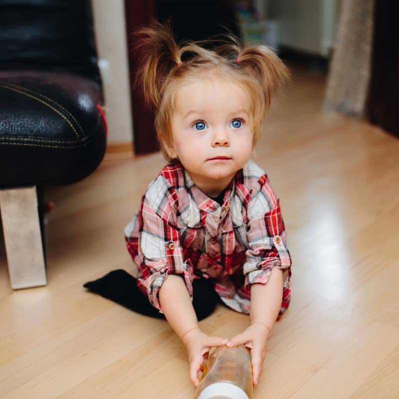 vezivanje bebine kose