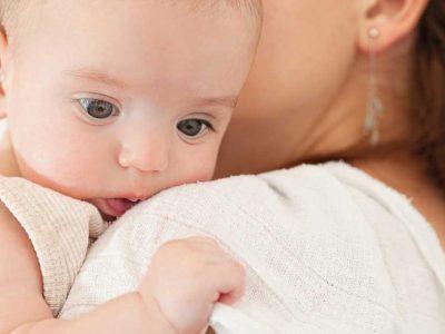 podrigivanje bebe